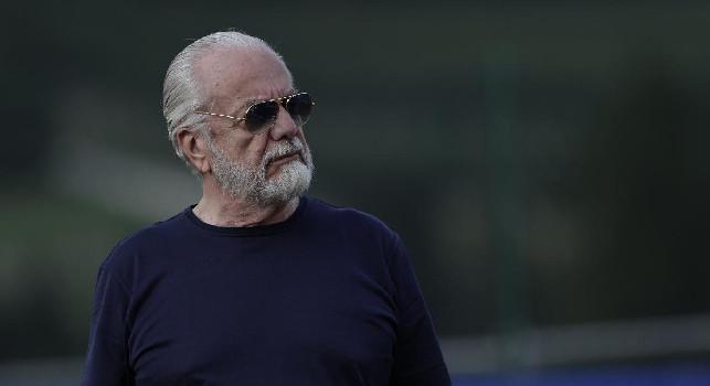 De Laurentiis è stato esplicito: cedere per abbassare il monte ingaggi e coprire il debito della scorsa stagione, pronto il primo addio