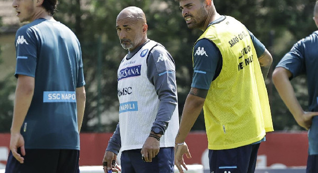 SSC Napoli, il report: Luperto e Petagna svolgeranno lavoro personalizzato e saltano il Bayern. Domani test per Ospina e Fabian