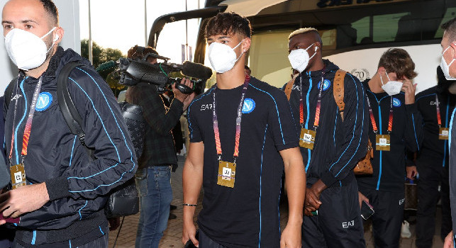 Il Napoli è al Leicester City Stadium: le immagini dell'arrivo degli azzurri [FOTO]