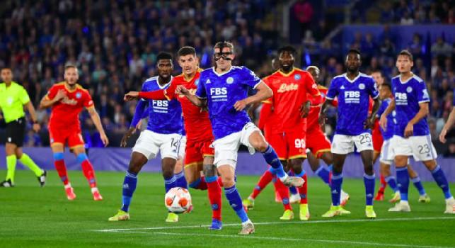 Terzini bocciati a Leicester! Spunta il triste «gol alla Di Lorenzo», Malcuit regala il gol del raddoppio