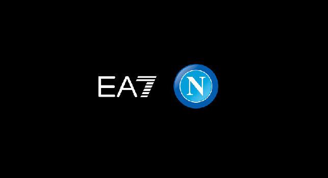 Collezione EA7, la SSC Napoli: La moda italiana famosa nel mondo incontra lo sport più amato: design elegante e pulito, prodotto già da collezione