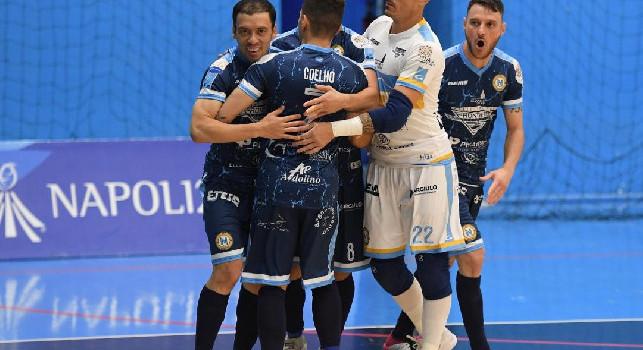 Calcio a 5 - Napoli Futsal, super Casassa le prende tutte. Pari col Ciampino, grande cornice di pubblico